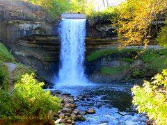 மினஹஹா நீர்வீழ்ச்சி (Minnehaha falls)